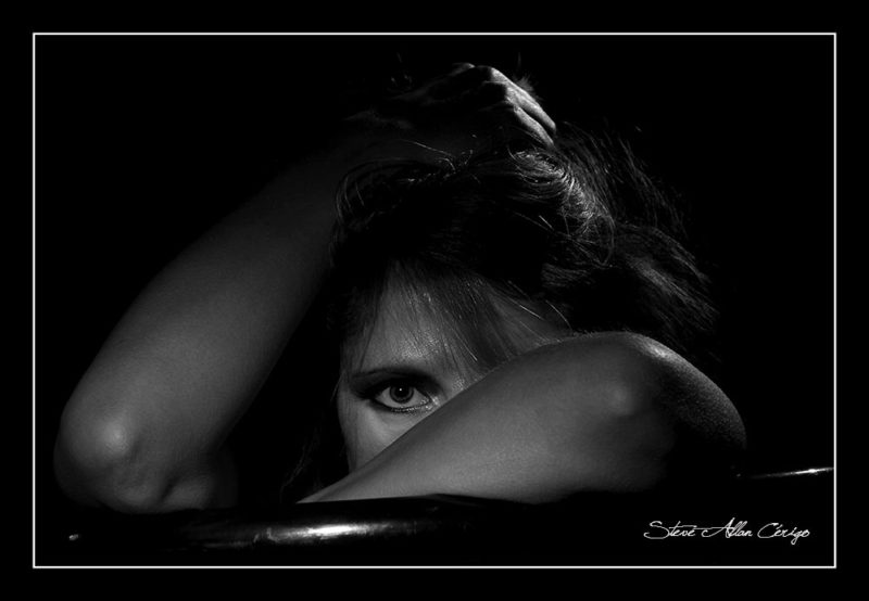 photographe saintes-Shooting Amandine-Book-Photographe professionnel- Mariage- Studio- cérémonie religieuse- evenementiel- banquet- sport-Soizic-Steve Allan Cerigo – Photographe Artistique-Scoophoto - Photographe de mariages- portraits- reportages- studio- France- Charente Maritime- Royan- Saintes- La Rochelle- Cognac- Grandjean-Saint Jean d'Angely- 17- Poitou Charentes-Le Bouquet de Soizic
