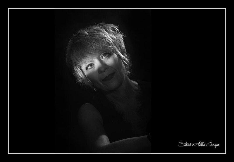 photographe saintes-Shooting Pascale-Book-Photographe professionnel- Mariage- Studio- cérémonie religieuse- evenementiel- banquet- sport-Soizic-Steve Allan Cerigo – Photographe Artistique-Scoophoto - Photographe de mariages- portraits- reportages- studio- France- Charente Maritime- Royan- Saintes- La Rochelle- Cognac- Grandjean-Saint Jean d'Angely- 17- Poitou Charentes-Le Bouquet de Soizic
